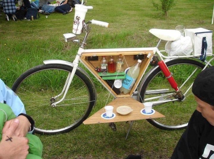 E' domenica, vai in campeggio. In bici!