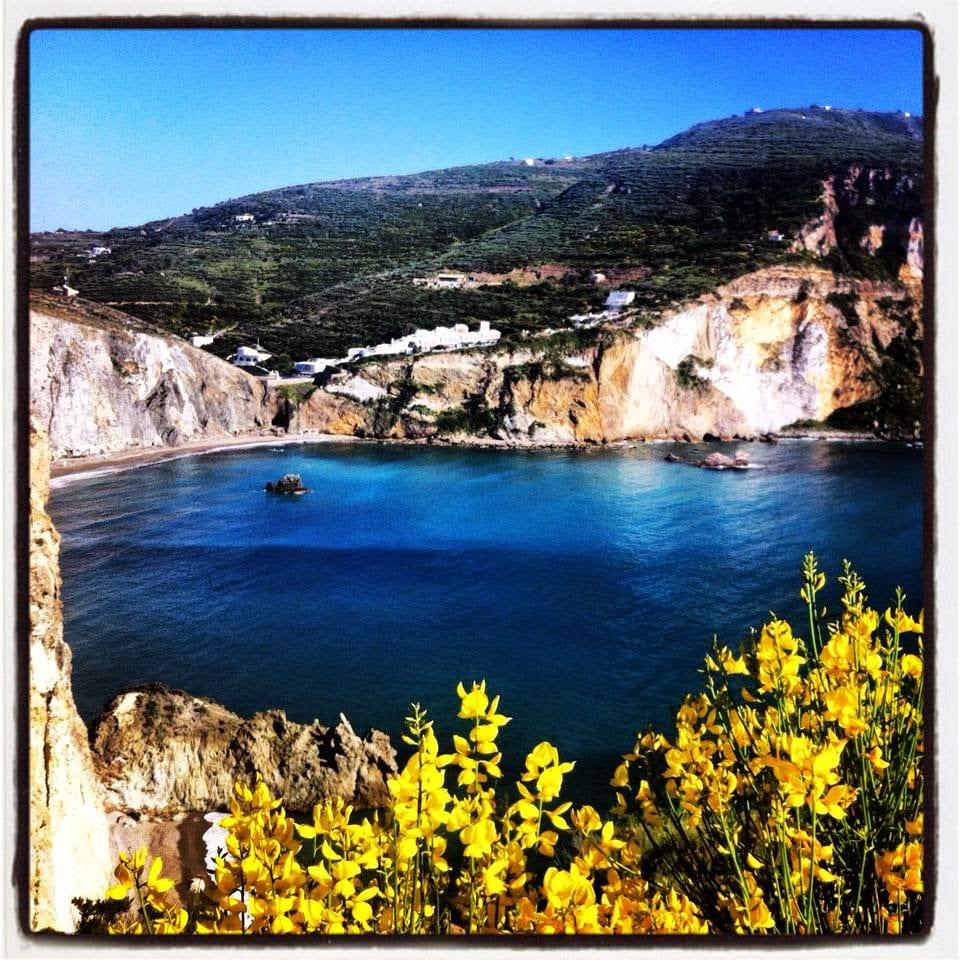 Ponza, l'isola fragile che se pulisci ti ospita