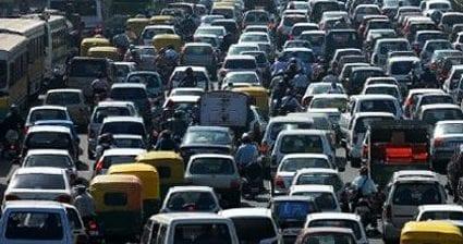 Il traffico e le code ci rendono acciughe un mese ogni anno